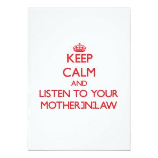 Guarde la calma y escuche su suegra invitación 12,7 x 17,8 cm