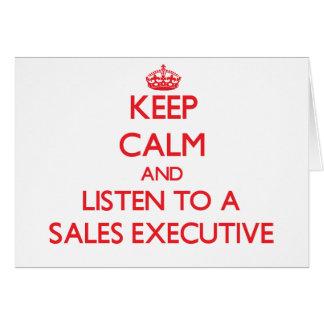 Guarde la calma y escuche un ejecutivo de ventas tarjetas