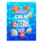 Guarde la calma y la hawaiana encendido tarjetas postales