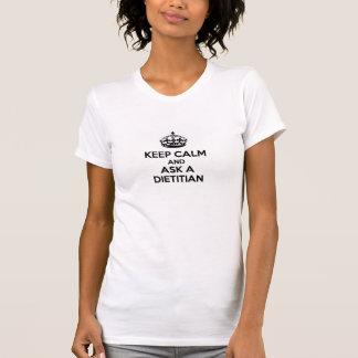 Guarde la calma y llame a un dietético camiseta