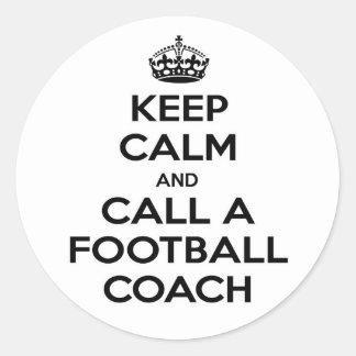 Guarde la calma y llame a un entrenador de fútbol pegatinas