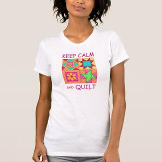 Guarde la calma y los bloques coloridos del camiseta
