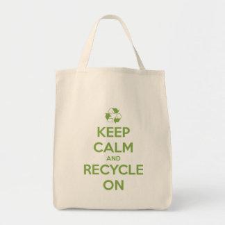 Guarde la calma y recíclela en verde en natural bolso de tela