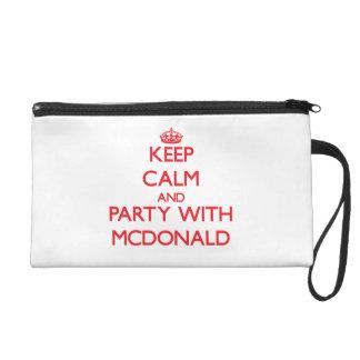 Guarde la calma y vaya de fiesta con Mcdonald
