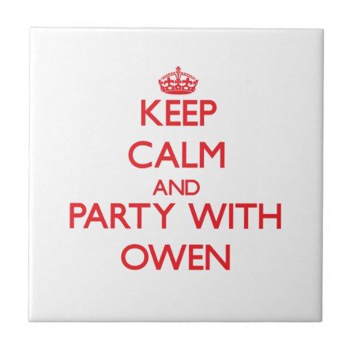 Guarde la calma y vaya de fiesta con Owen Tejas