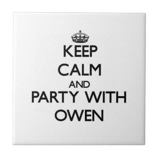 Guarde la calma y vaya de fiesta con Owen Tejas Cerámicas