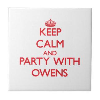 Guarde la calma y vaya de fiesta con Owens Teja