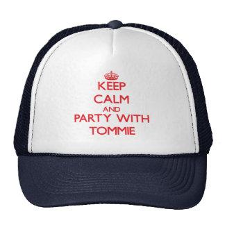 Guarde la calma y vaya de fiesta con Tommie Gorro