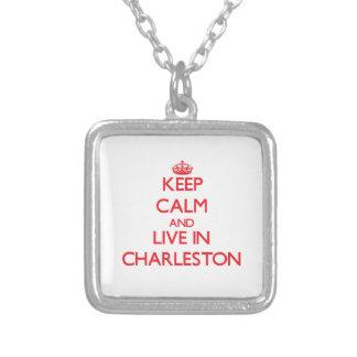 Guarde la calma y viva en Charleston Colgante Personalizado