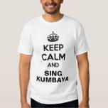 Guarde la camisa tranquila de Kumbaya