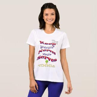 Guarde su camiseta del competidor del tenis de los