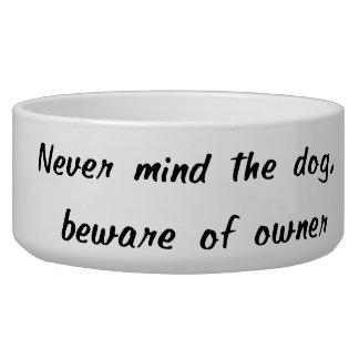 Guárdese del cuenco del mascota del dueño comedero para mascota