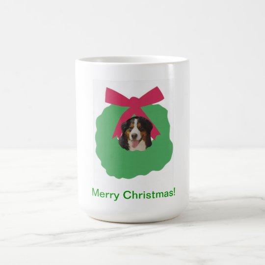 Guirnalda del día de fiesta del perro de montaña taza de café