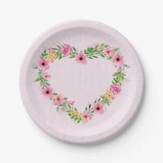 Guirnalda floral rosada en forma de corazón plato de papel