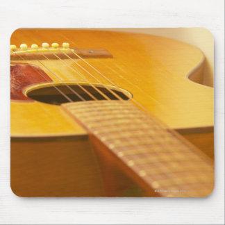 Guitarra acústica 5 alfombrilla de ratón