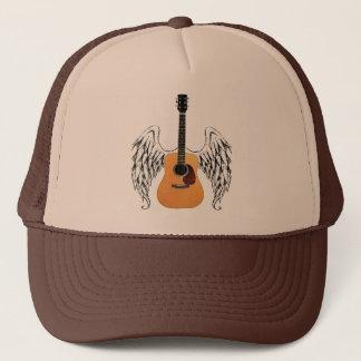 Guitarra acústica coa alas gorra de camionero