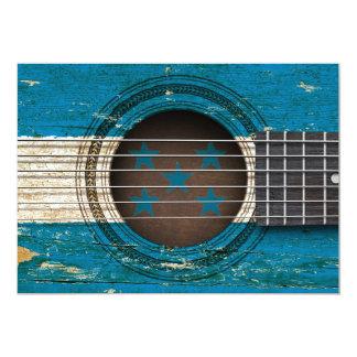 Guitarra acústica vieja con la bandera de Honduras Invitación 12,7 X 17,8 Cm