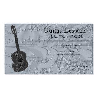 Guitarra y notas musicales grabadas en relieve tarjetas de visita