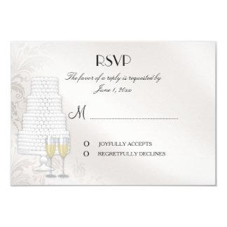 Hacer juego la tarjeta de RSVP para la invitación