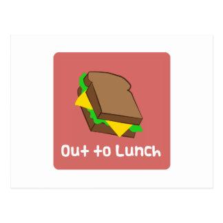 Hacia fuera al almuerzo tarjeta postal