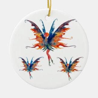 Hada con la decoración de cerámica de las alas