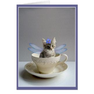 Hada linda del gato en tarjeta del saludo o de