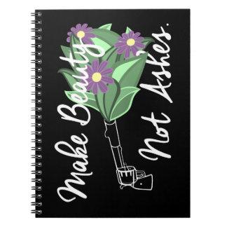 Haga el cuaderno del diario de las cenizas de la