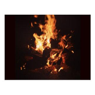 Haga frente en la postal de las llamas