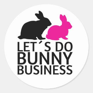 Hagamos el negocio del conejito pegatina redonda