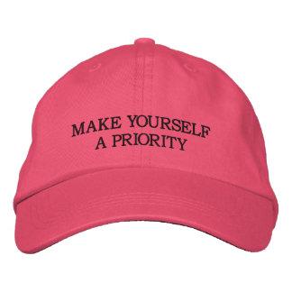 Hágase una prioridad - gorra bordado rosa