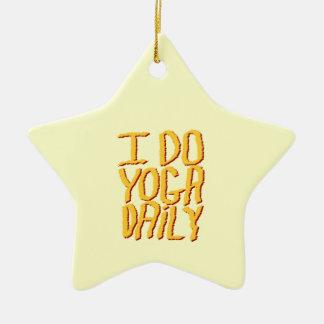 Hago el diario de la yoga Amarillo Ornaments Para Arbol De Navidad