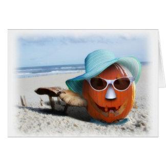 Halloween en la playa tarjeta de felicitación