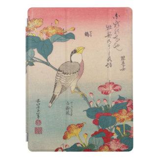 Hawfinch de Hokusai y arte de Maravilla-de-Perú Cubierta Para iPad Pro