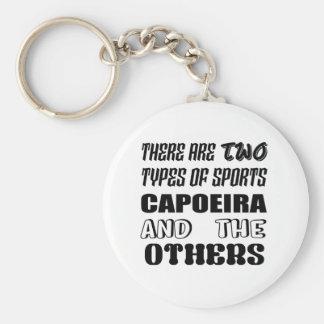 Hay dos tipos de deportes Capoeira y otros Llavero