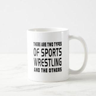 Hay dos tipos de deportes que luchan taza
