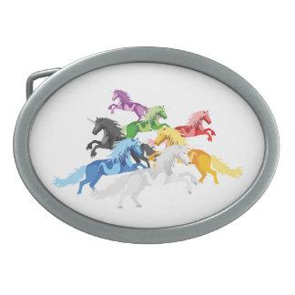 Hebilla Ovalada Unicornios salvajes coloridos del ejemplo