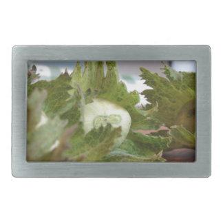 Hebilla Rectangular Avellanas verdes frescas en una tabla de madera