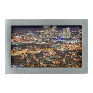 Hebilla Rectangular Horizonte de Pittsburgh en la noche