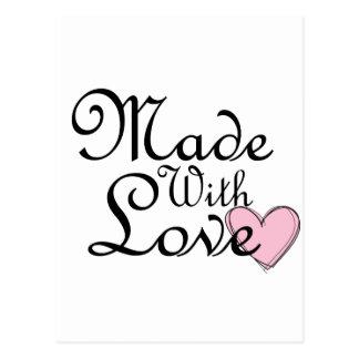 Hecho con el corazón del rosa del amor tarjetas postales