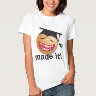 hecho le la graduación camisetas