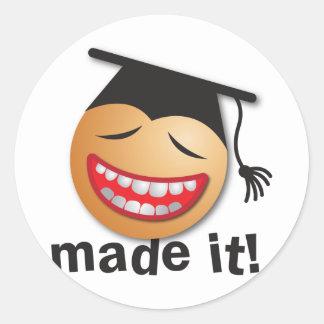 hecho le la graduación pegatina redonda