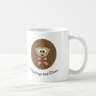 Hedgehugs y erizo de los besos taza de café