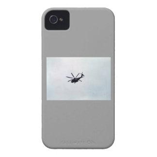 helicóptero militar iPhone 4 Case-Mate cárcasas