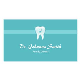 Hembra dental sonriente de la cita del diente de tarjetas de visita