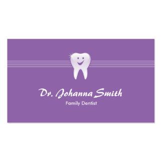 Hembra dental sonriente púrpura de la cita del tarjetas de visita