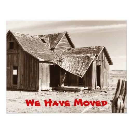 Hemos movido la granja vieja de la sepia de la inv invitacion personalizada