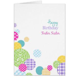 Hermana adoptiva colorida del feliz cumpleaños de tarjeta de felicitación