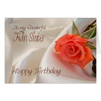 Hermana gemela, una tarjeta de cumpleaños con un