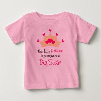 Hermana grande a ser camiseta de princesa
