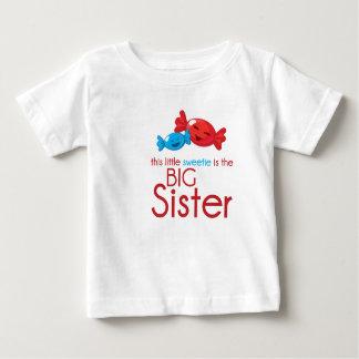 Hermana grande de la camiseta